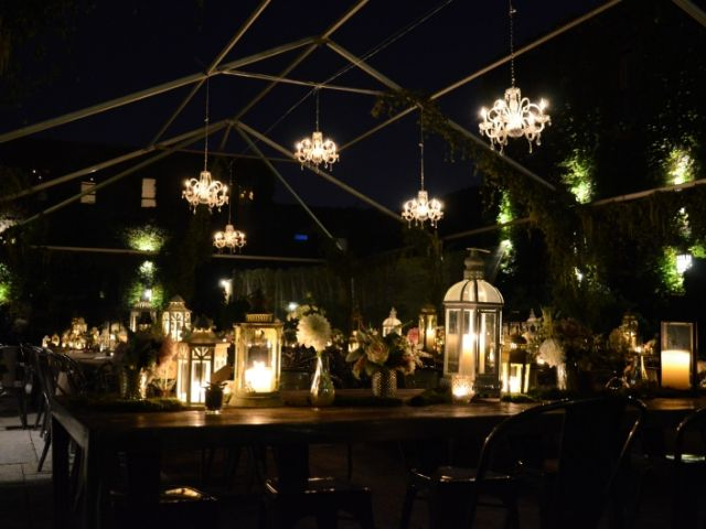 The Foundry (Long Island City, New York) - Chandeliers under tent