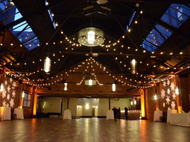 26 Bridge (Brooklyn, New York) - 600ft of String Lights suspended with G50 bulbs in two Circular Patterns above the majority of the main room.